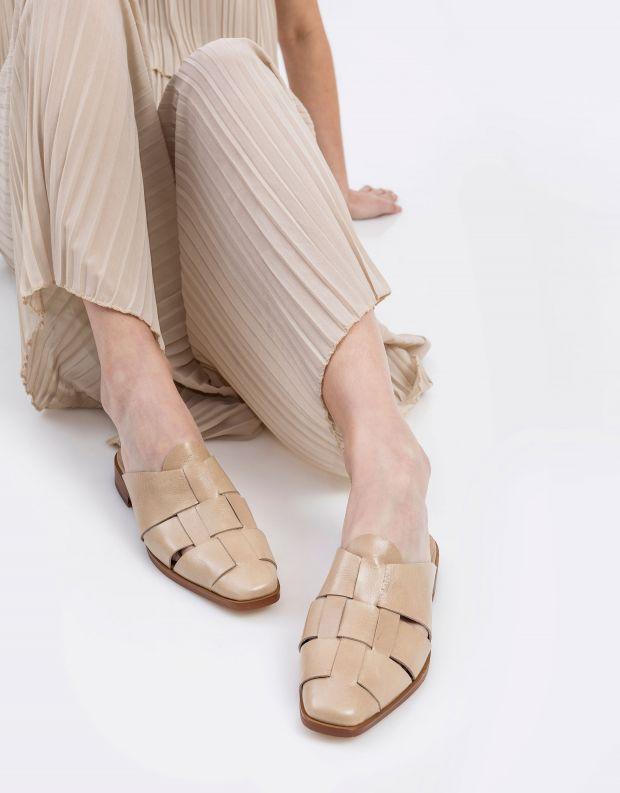 נעלי נשים - Jeffrey Campbell - כפכפי מיולז מעור EASTIN - ניוד