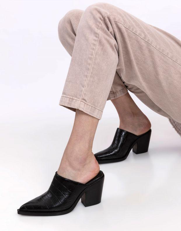 נעלי נשים - Jeffrey Campbell - כפכפי בוקרים קרוקו TONTO - שחור