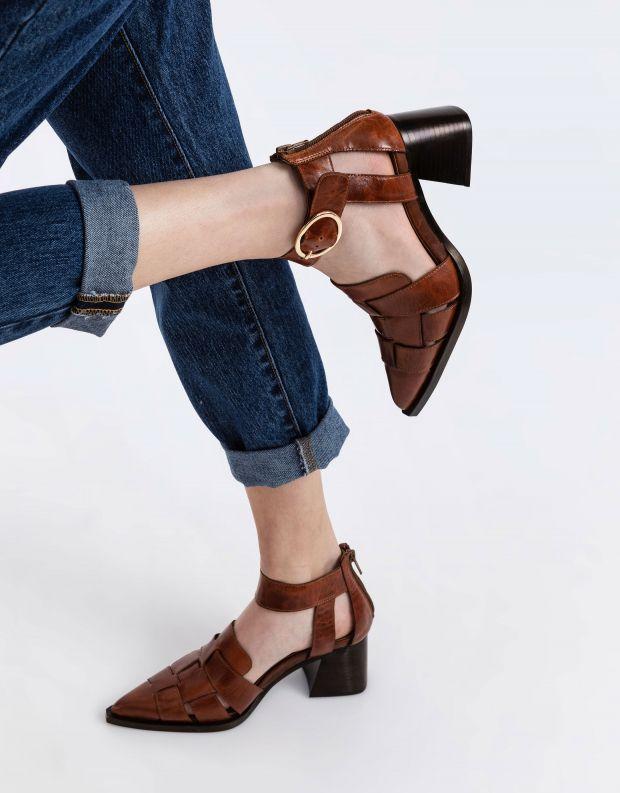 נעלי נשים - Jeffrey Campbell - סנדלי עור עם עקב MARIA - חום