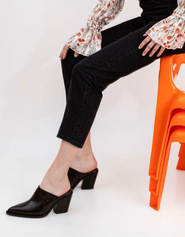 נעלי נשים - Jeffrey Campbell - כפכפי בוקרים קרוקו TONTO - חום כהה