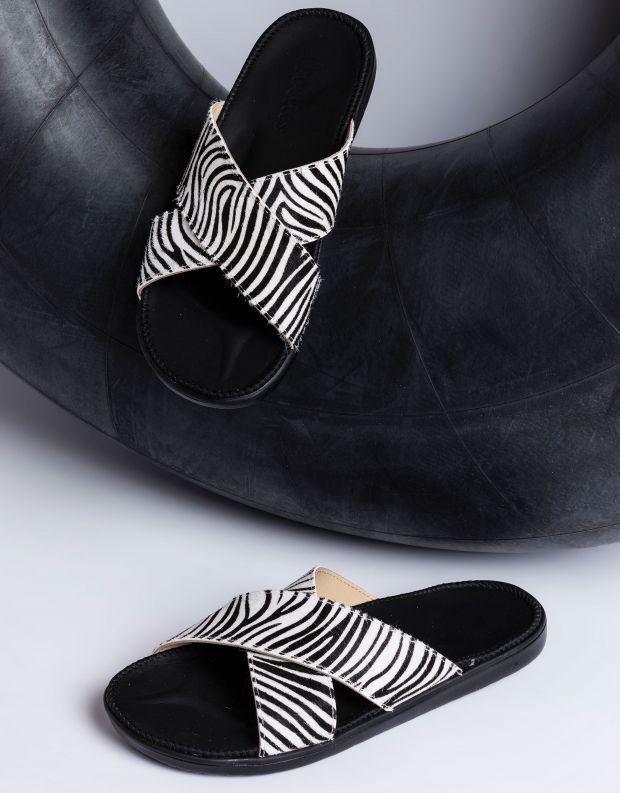 נעלי נשים - Lovelies - כפכפי עור MOMBASSA - זברה