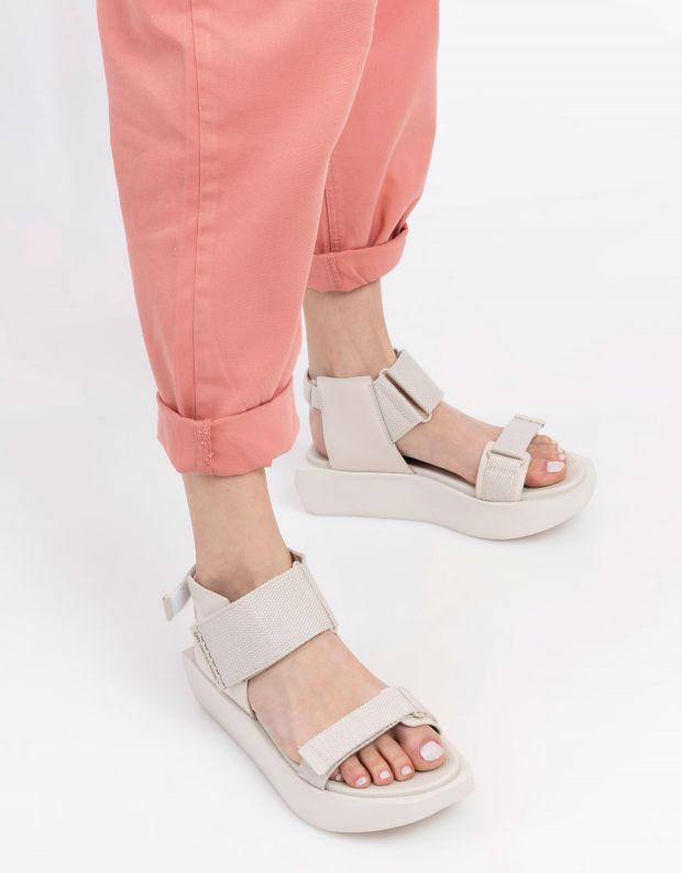 נעלי נשים - United Nude - סנדלי פלטפורמה WA LO - לבן