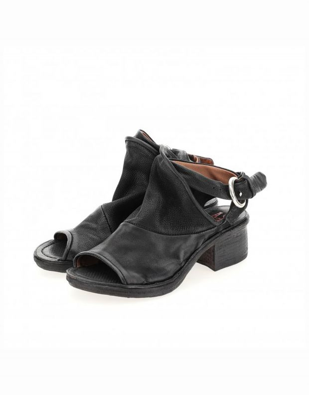 נעלי נשים - A.S. 98 - סנדלי KENYA עם אבזם - שחור