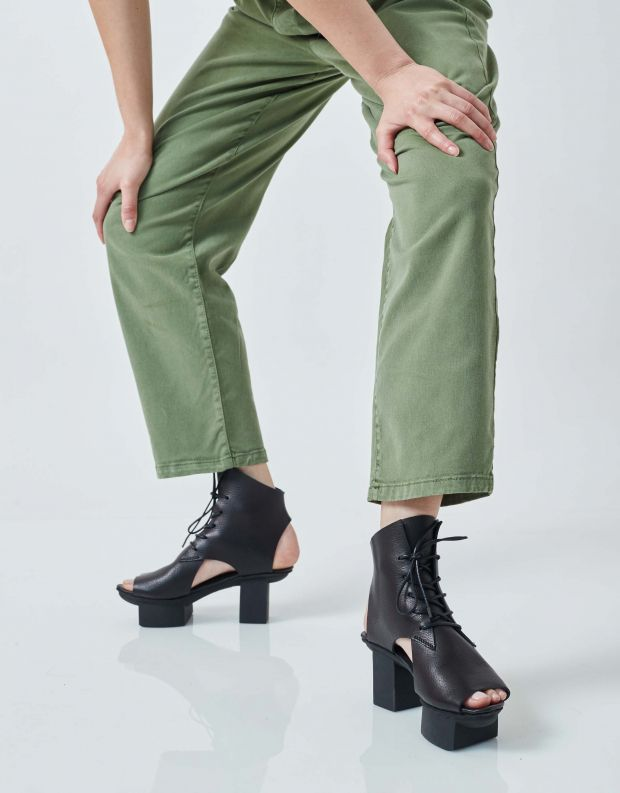 נעלי נשים - Trippen - סנדלי עור MISSION HAPP - שחור
