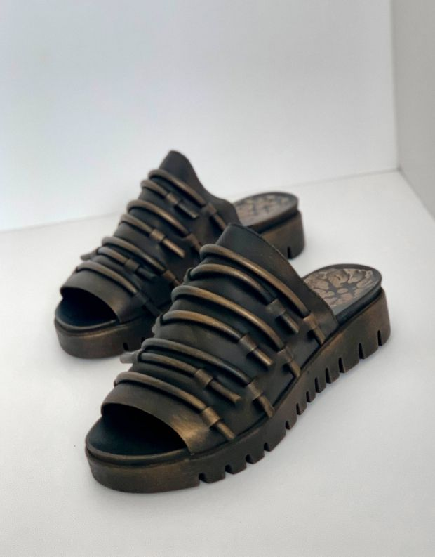 נעלי נשים - Papucei - כפכפי עור DEMOS - שחור