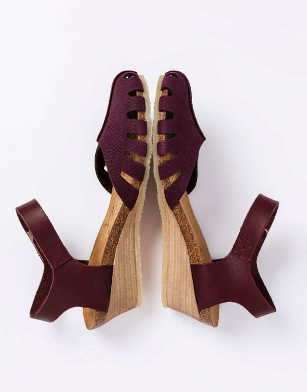נעלי נשים - loints of Holland - סנדלים סגורים LOLA - סגול