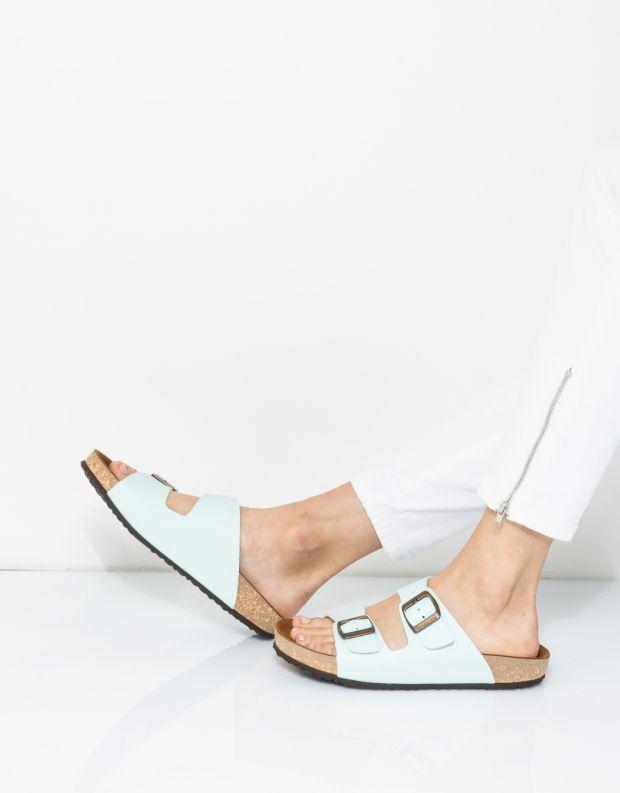 נעלי נשים - El Naturalista - כפכפי WARAJI VEGAN - מנטה