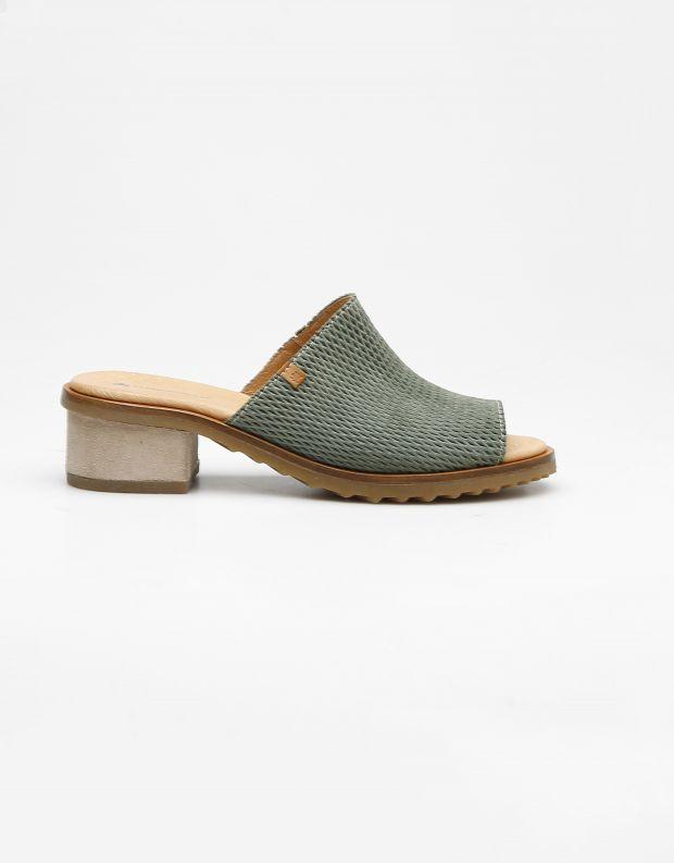נעלי נשים - El Naturalista - כפכפי עור מחוררים  SABAL - חאקי