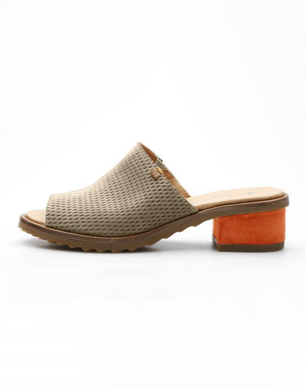 נעלי נשים - El Naturalista - כפכפי עור מחוררים  SABAL - חום