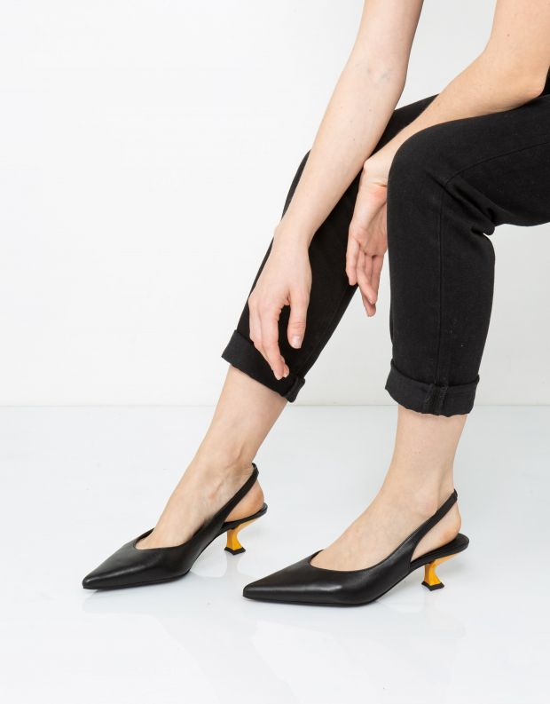נעלי נשים - Jeffrey Campbell - סירה AMULET - שחור