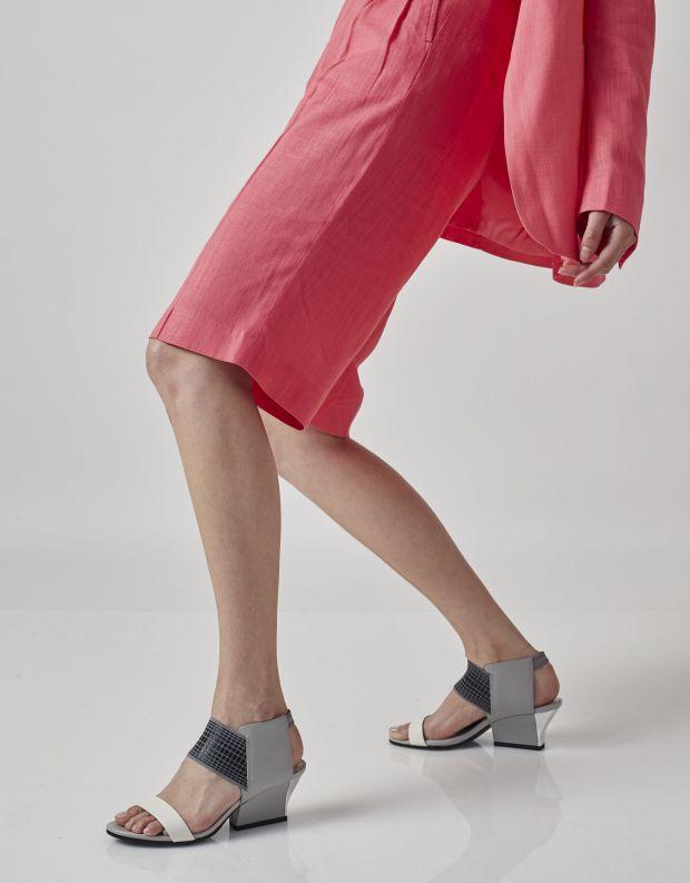 נעלי נשים - United Nude - סנדלי RAIKO - לבן   אפור