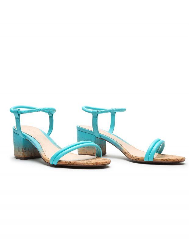 נעלי נשים - Schutz - סנדלי עקב CARMEN - תכלת