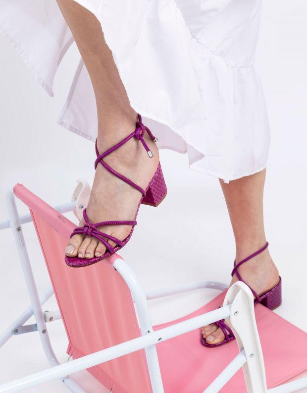 נעלי נשים - Schutz - סנדלים עם קשירה LILIAN - סגול