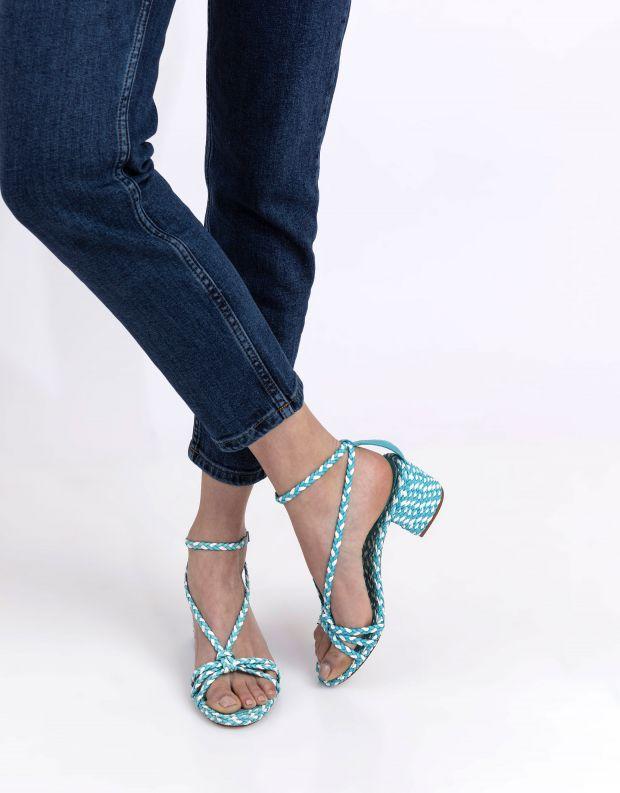נעלי נשים - Schutz - סנדלי עקב קלועים HARPER - תכלת