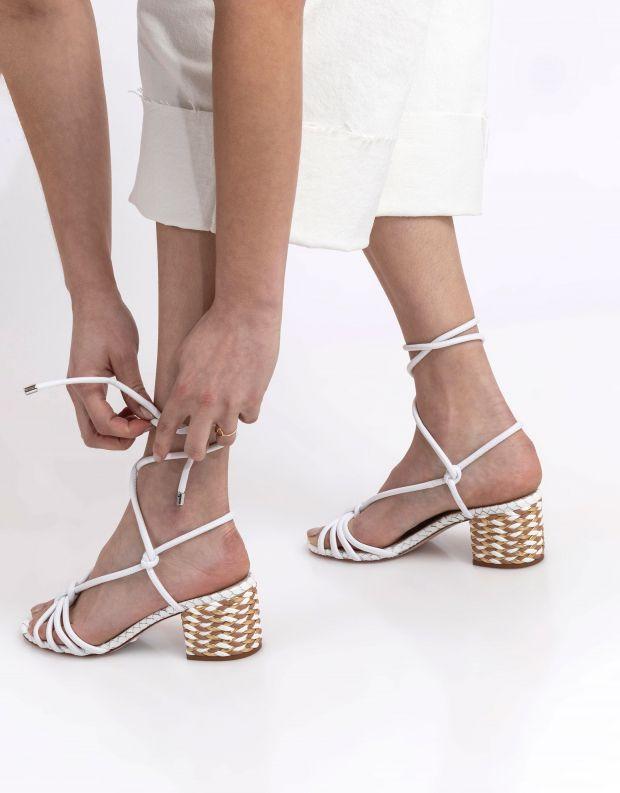 נעלי נשים - Schutz - סנדלים עם קשירה RUBY - לבן
