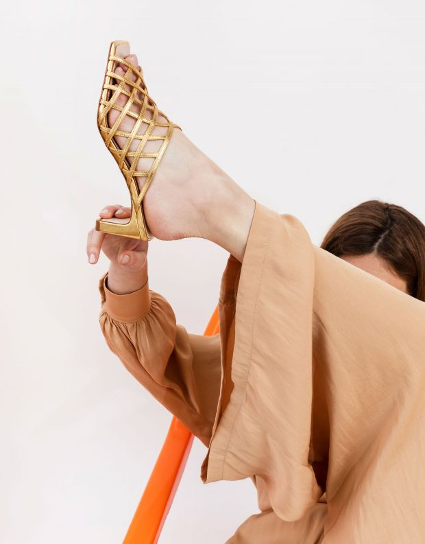 נעלי נשים - Schutz - כפכפי עקב LUCY - זהב