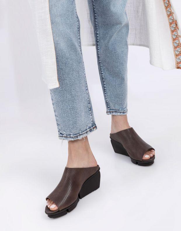 נעלי נשים - Trippen - כפכפי עור SOLO SPLITT - חום