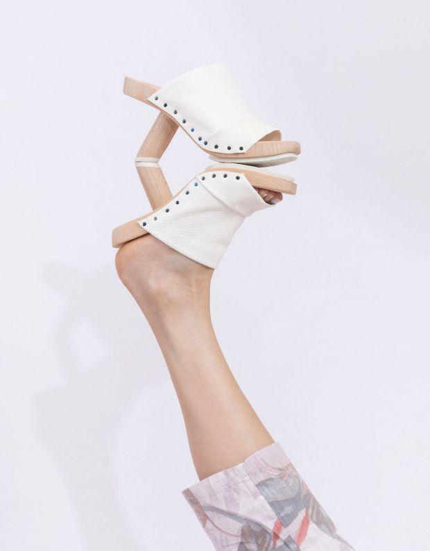 נעלי נשים - Trippen - כפכפי עקב CLAIM WOOD - לבן