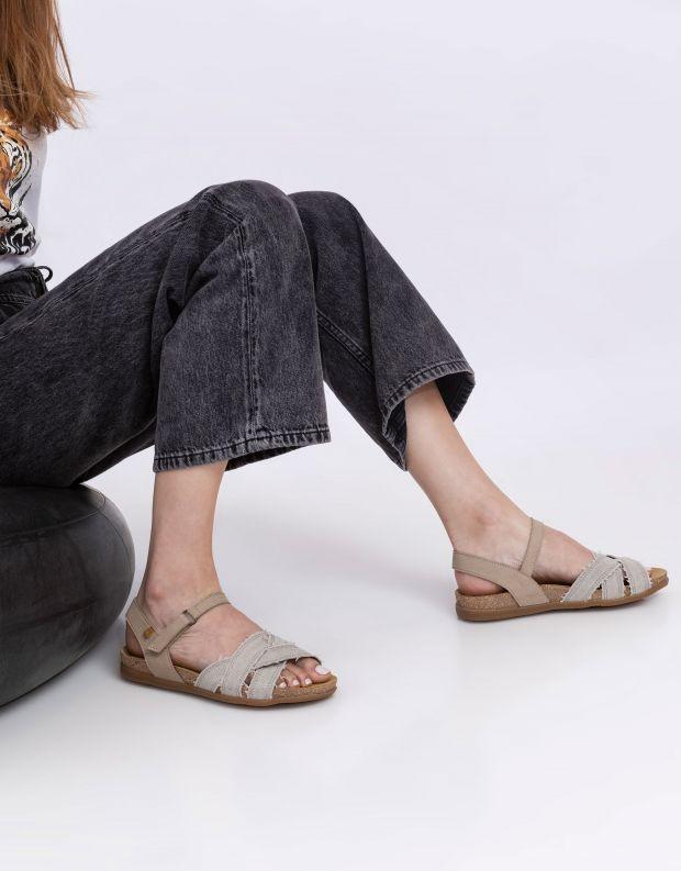 נעלי נשים - El Naturalista - סנדלים טבעוניים ZUMAIA - לבן