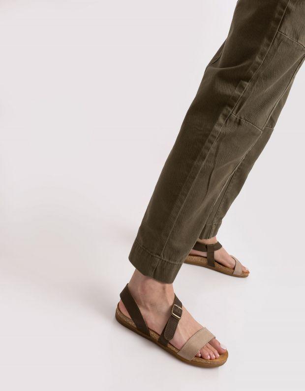 נעלי נשים - El Naturalista - סנדלי רצועות ZUMAIA - חאקי