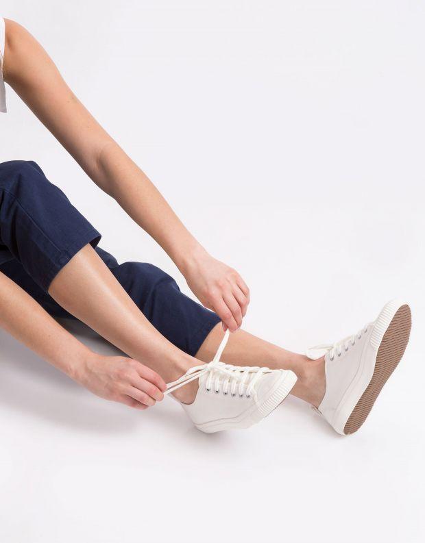 נעלי נשים - Komodo - סניקרס ECO - לבן