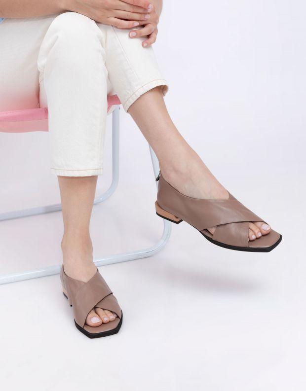 נעלי נשים - Yuko Imanishi - נעלי KURUMI - בז'