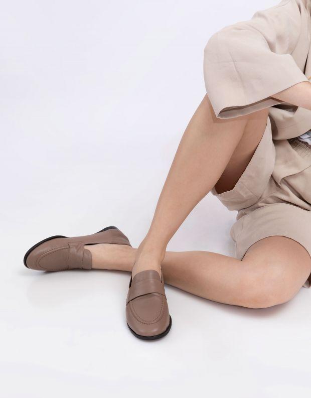 נעלי נשים - Yuko Imanishi - נעלי מוקסינים MAYU - בז'