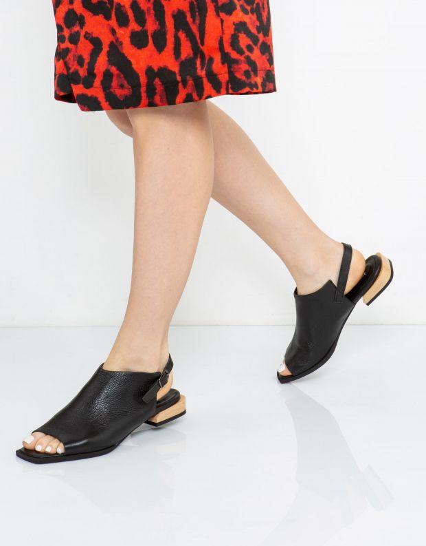נעלי נשים - Yuko Imanishi - סנדלי YUI - שחור