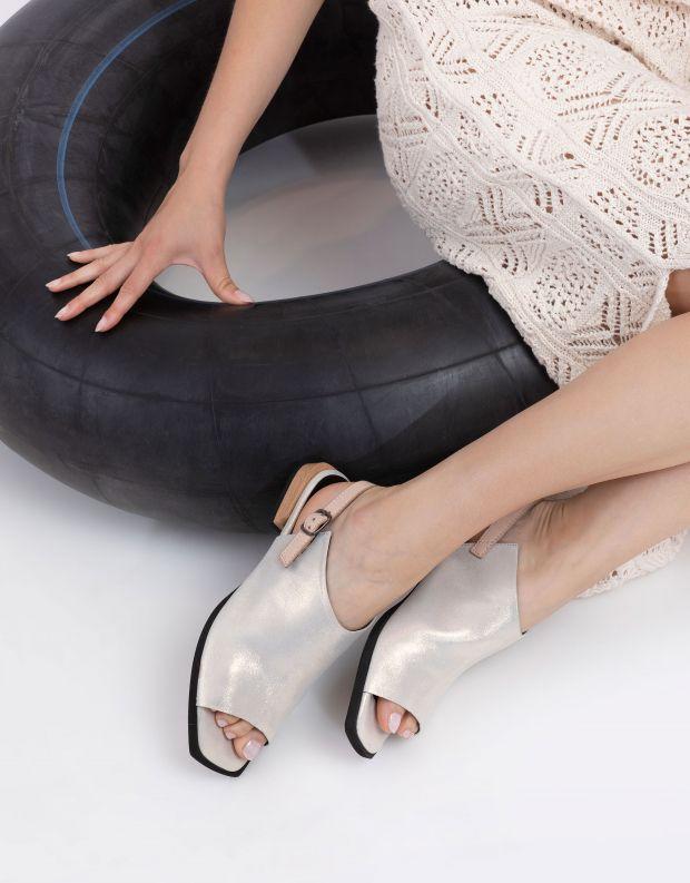 נעלי נשים - Yuko Imanishi - סנדלי YUI - זהב
