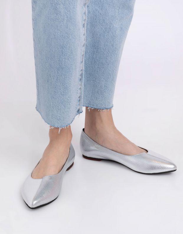 נעלי נשים - Yuko Imanishi - נעלי סירה YOSHI - לבן   כסף