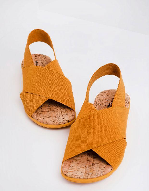נעלי נשים - NR Rapisardi - סנדלי איקס שטוחים CRES - חרדל