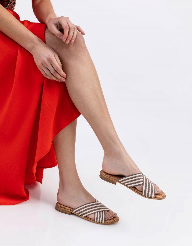 נעלי נשים - NR Rapisardi - כפכפי איקס שטוחים PRATO - חום