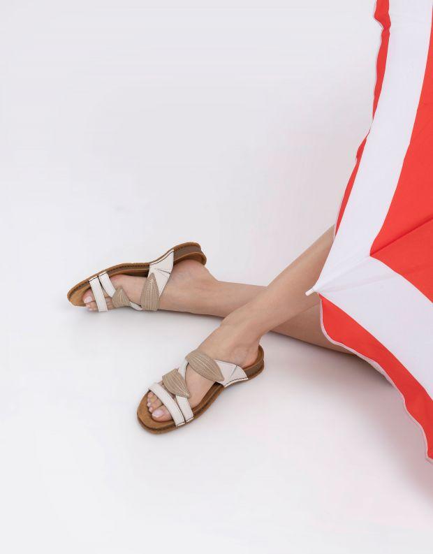 נעלי נשים - El Naturalista - כפכפי רצועות PANGALO - לבן