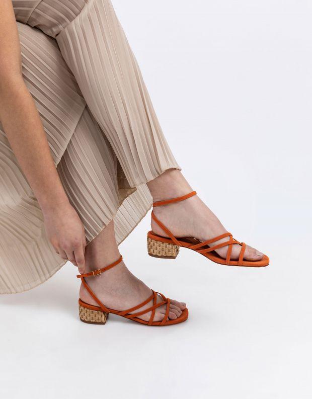 נעלי נשים - Schutz - סנדלי רצועות עור HAILEY - כתום