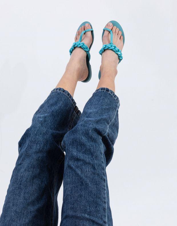 נעלי נשים - Schutz - כפכפי אצבע לולאות LYLOO - תכלת