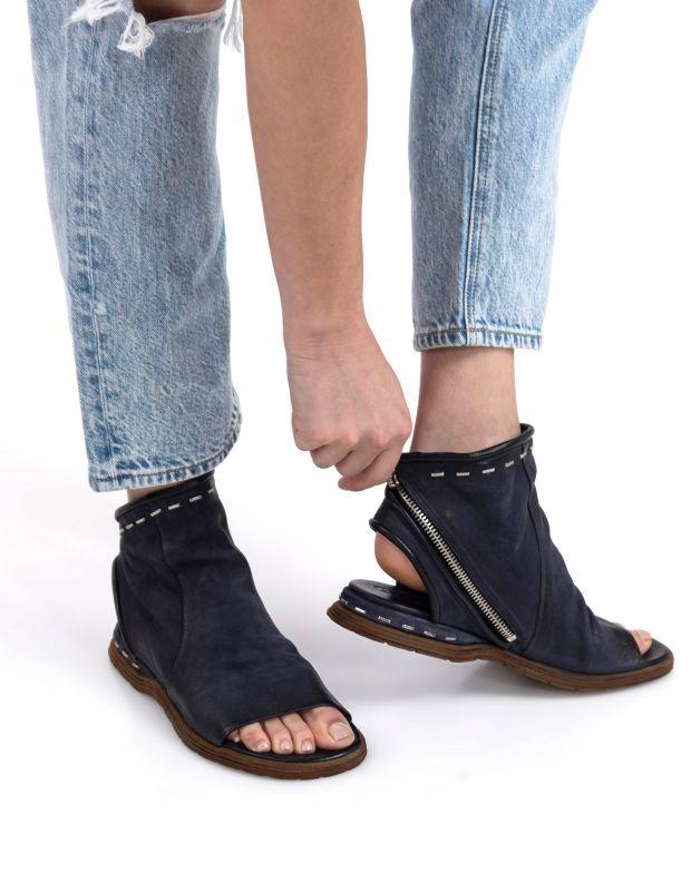 נעלי נשים - A.S. 98 - סנדלי סיכות סגורים MARE - כחול
