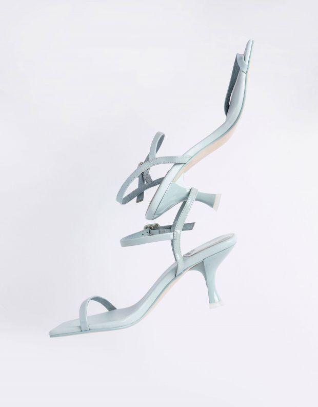 נעלי נשים - Jeffrey Campbell - סנדלי עקב עם רצועה JERROD - תכלת