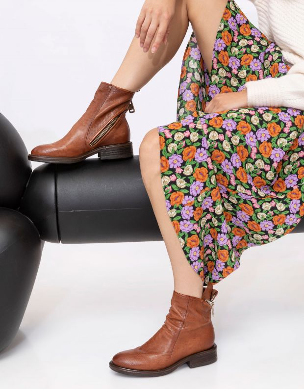 נעלי נשים - A.S. 98 - מגפוני עור FLOWER רוכסן - קאמל