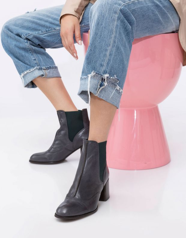 נעלי נשים - Chie Mihara - מגפוני עור עם עקב GINKO - אפור