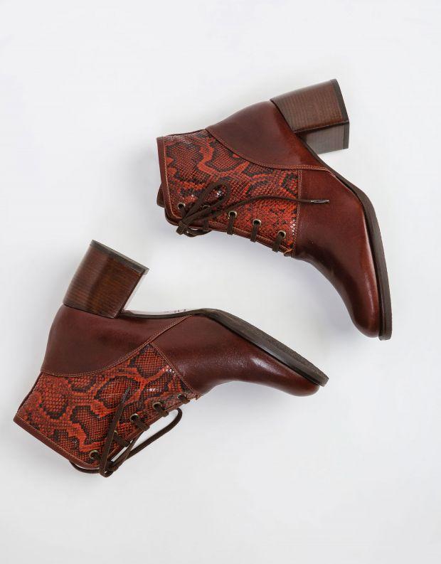 נעלי נשים - Chie Mihara - מגפונים עם שרוכים OKELA - חמרה