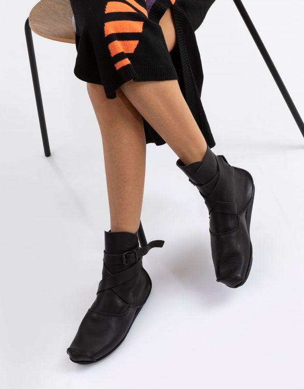 נעלי נשים - Trippen - מגפוני MILD PENNA עם אבזם - שחור