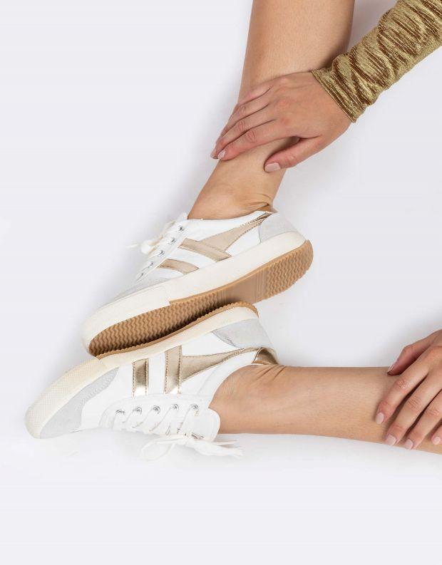 נעלי נשים - Gola - סניקרס BADMINTOM GOLD - אופוויט