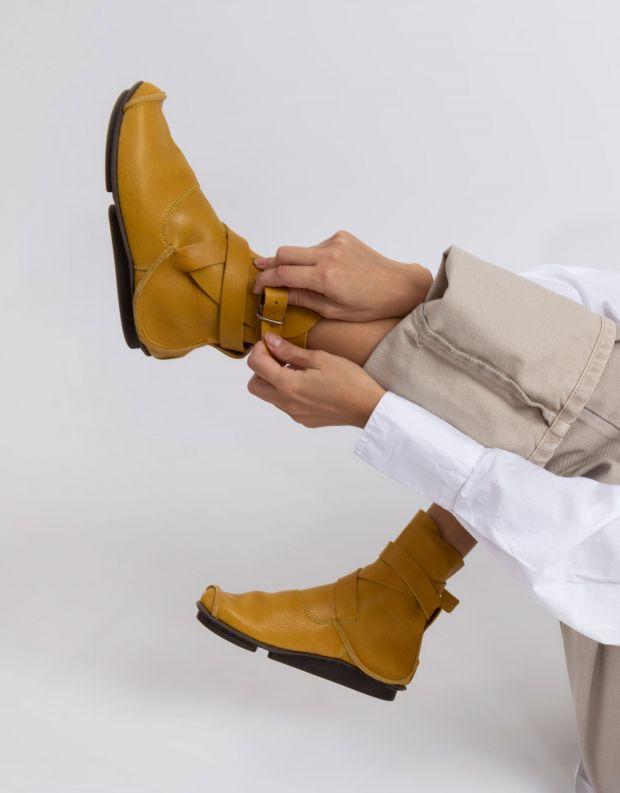 נעלי נשים - Trippen - מגפוני MILD PENNA עם אבזם - צהוב