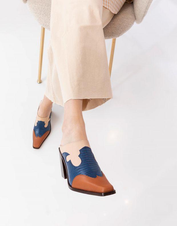 נעלי נשים - Jeffrey Campbell - כפכפי בוקרים עם עקב COWGI - כחול  בז'