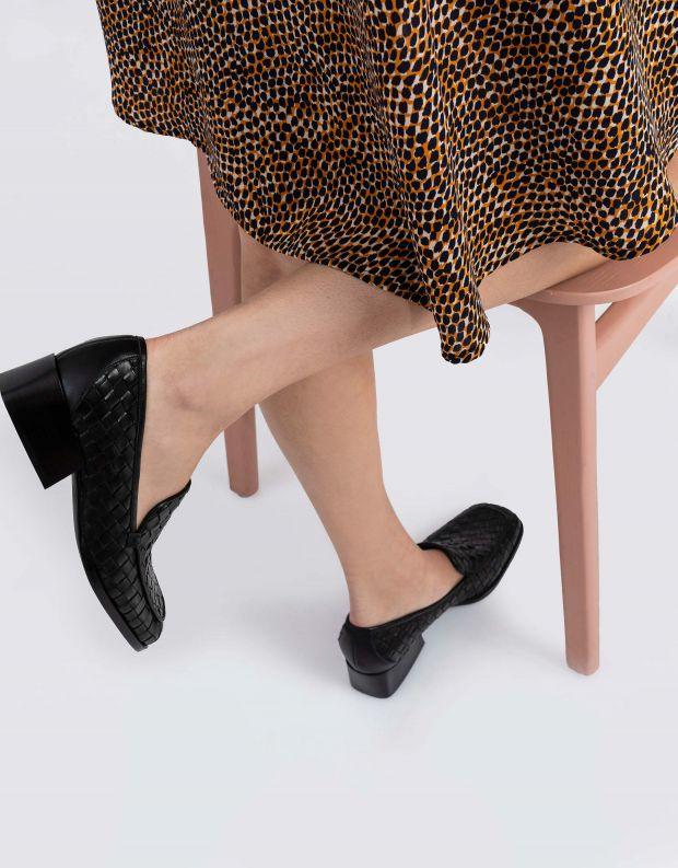 נעלי נשים - Jeffrey Campbell - מוקסינים קלועים BRODRIC - שחור