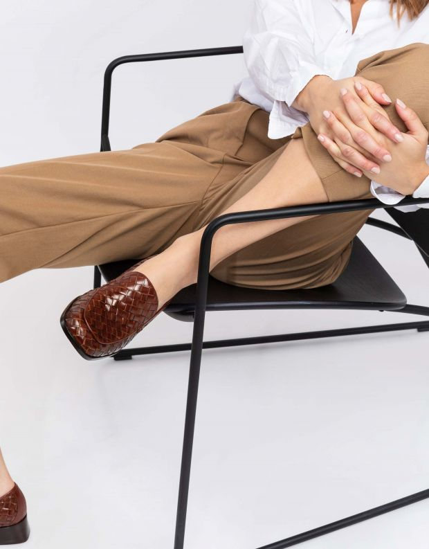נעלי נשים - Jeffrey Campbell - מוקסינים קלועים BRODRIC - חום