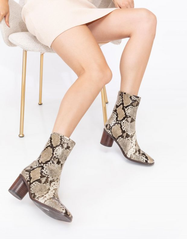 נעלי נשים - SOL SANA - מגפוני עקב ETHAN - נחש