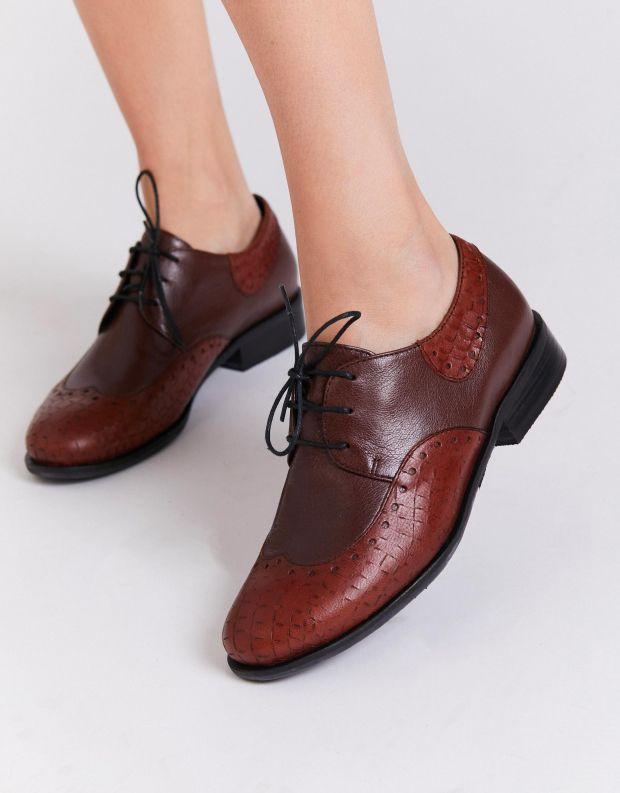נעלי נשים - Yuko Imanishi - נעלי אוקספורד MARIKA נחש - חום