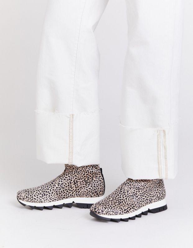 נעלי נשים - NR Rapisardi - מגפונים BECCO ENIMAL - לבן נקודות