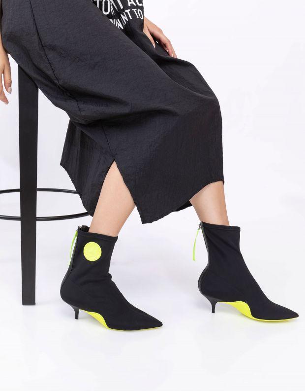 נעלי נשים - Schutz - מגפוני לייקרה CATH - שחור